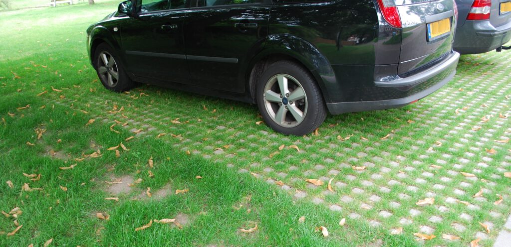 Waterpasserende verharding is heel geschikt voor parkeerplaatsen