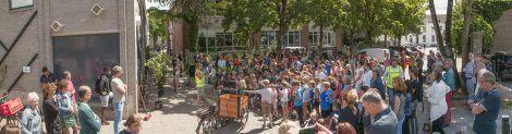 De kinderen van de nabijgelegen school waren bij de opening aanwezig